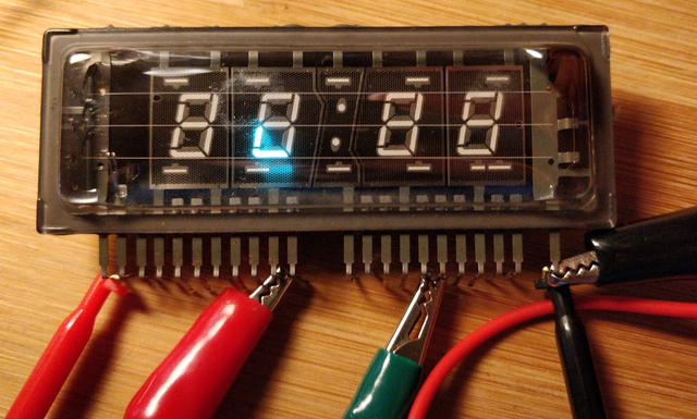 Determining the pinout of the unknown vacuum fluorescent display